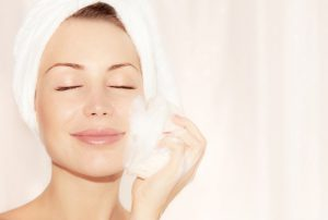 The Difference Between Soaps and Facial Cleansing Foams