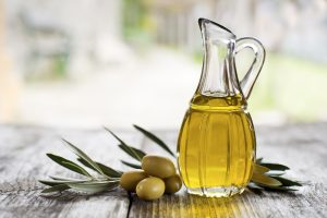 Jojoba and Olive Oils for Moisturizing Your Skin