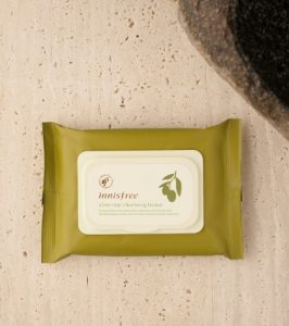 8. INNISFREE Olive Real Cleansing Tissue