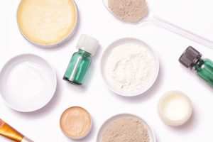 Look for Moisture-Infused Face Powders to Avoid Caking and Flaking