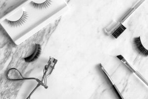 Give Monolids a Lift with Natural-Looking Lashes